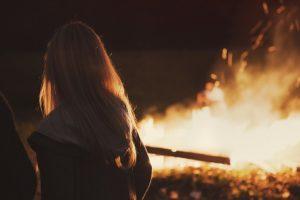 ino-bonfire-matsukonoshiranaisekai