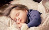 エアコンの設置位置で快適な睡眠をとるためにベッドの位置関係も考えてみる